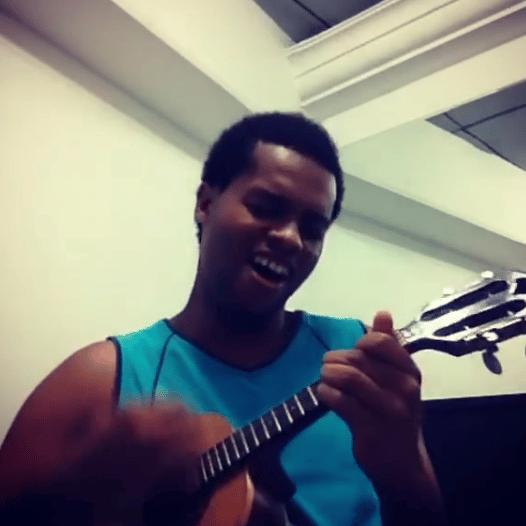 escola de musica performance aula de cavaquinho
