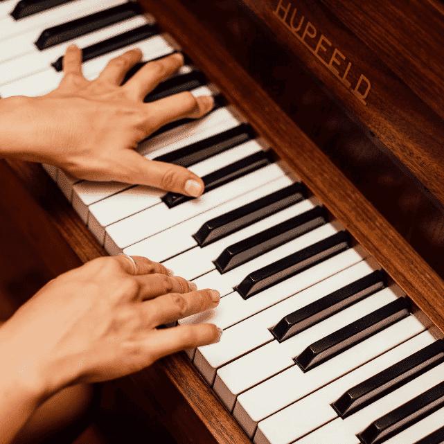 escola de musica performance aula de piano